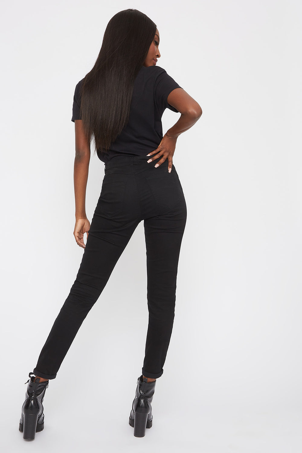 Mid-Rise Push-Up Skinny Jean Black