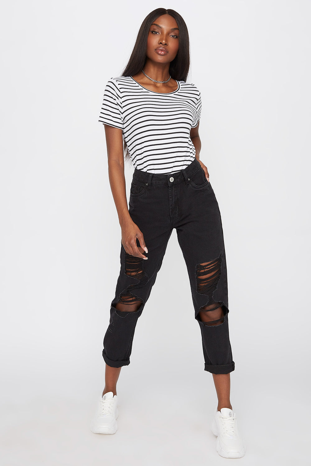 High-Rise Distressed Boyfriend Jean Black
