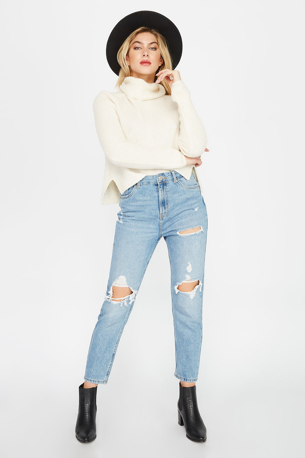 Ultra High-Rise Distressed Mom Jean Medium Blue