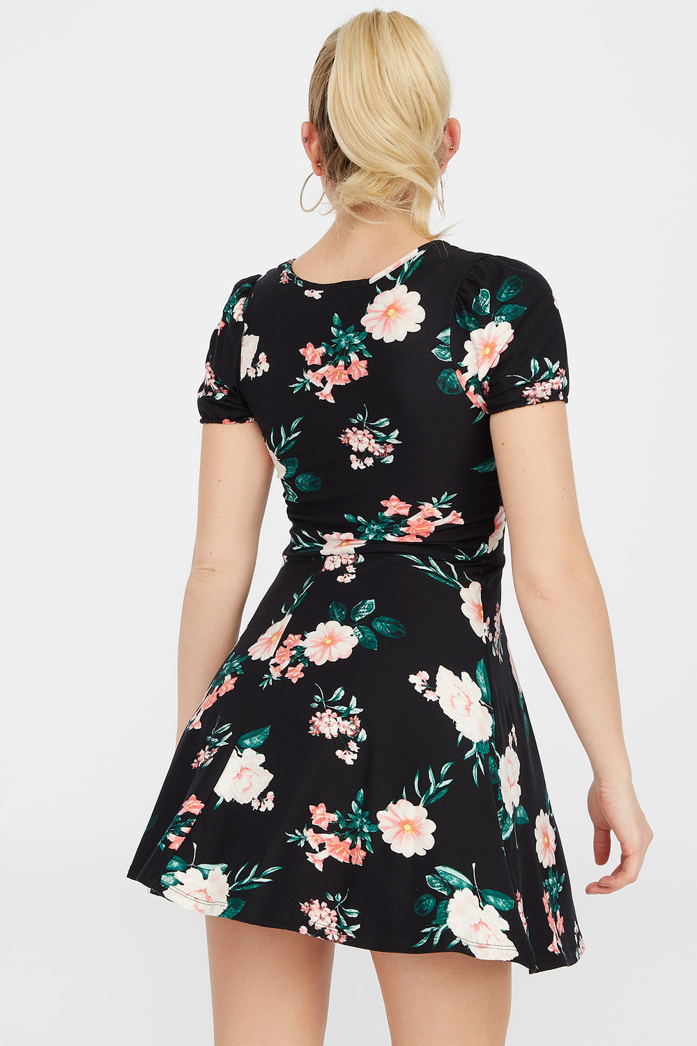 Soft Floral Sweetheart Puff Sleeve Skater Dress Black