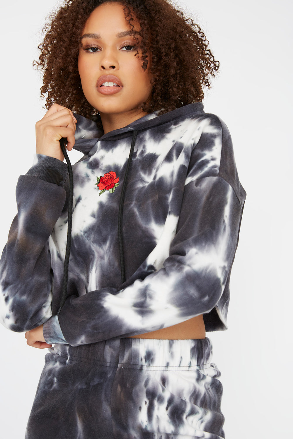 Fleece Graphic Raw Hem Cropped Hoodie Black with White