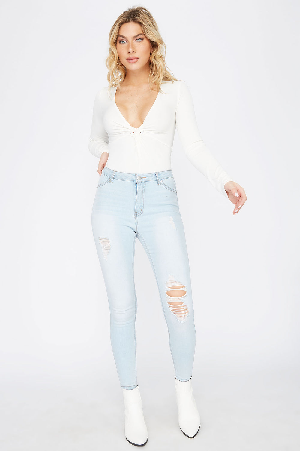 High-Rise Light Wash Distressed Jegging Light Denim Blue