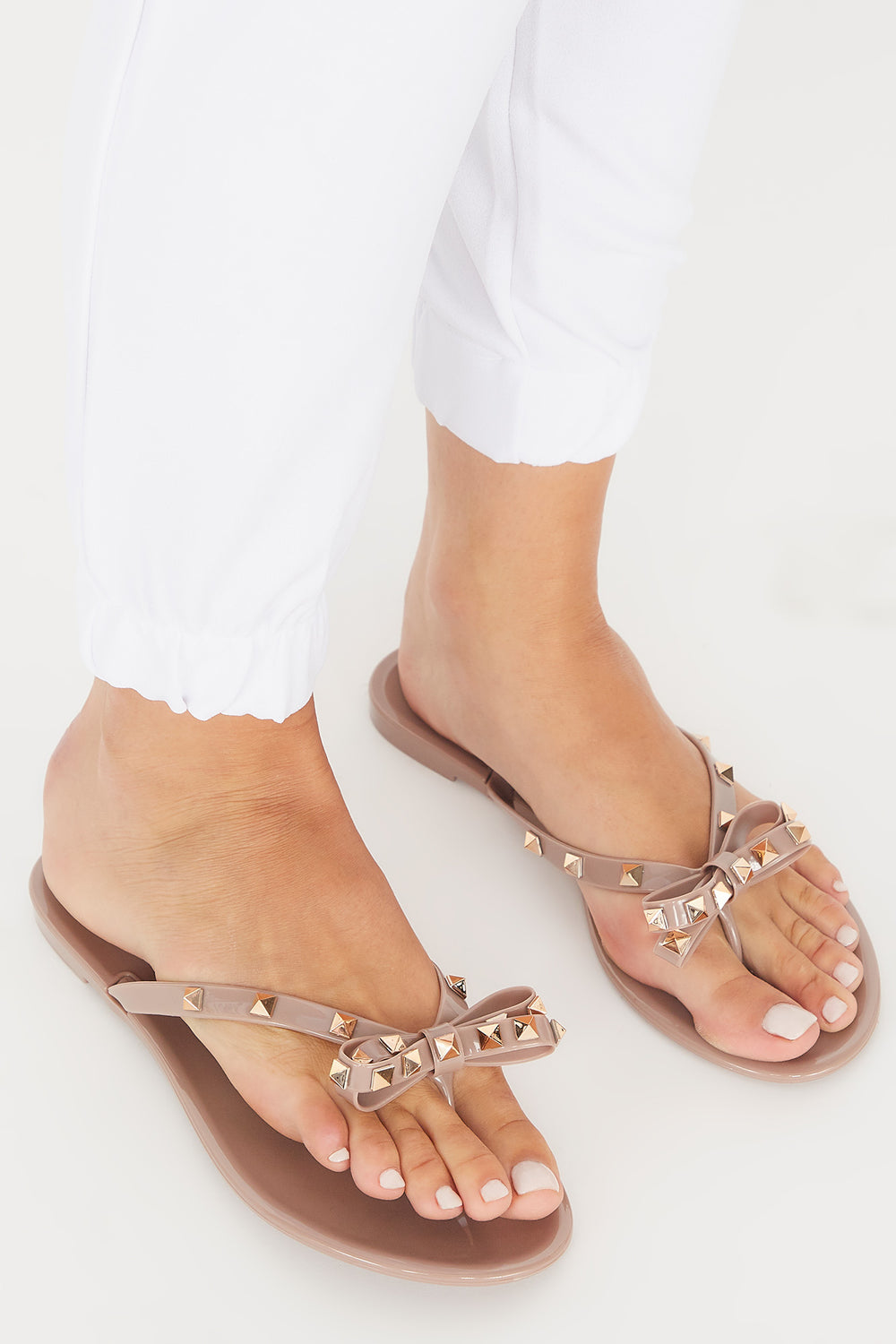 Studded Jelly Bow Thong Sandal Brown