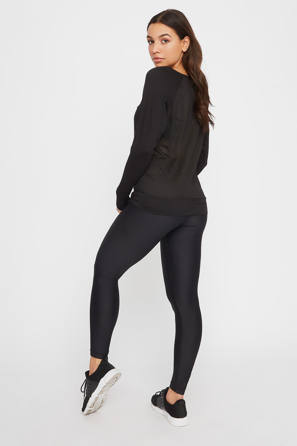 Soft Mesh Back Crewneck Active Long Sleeve Black