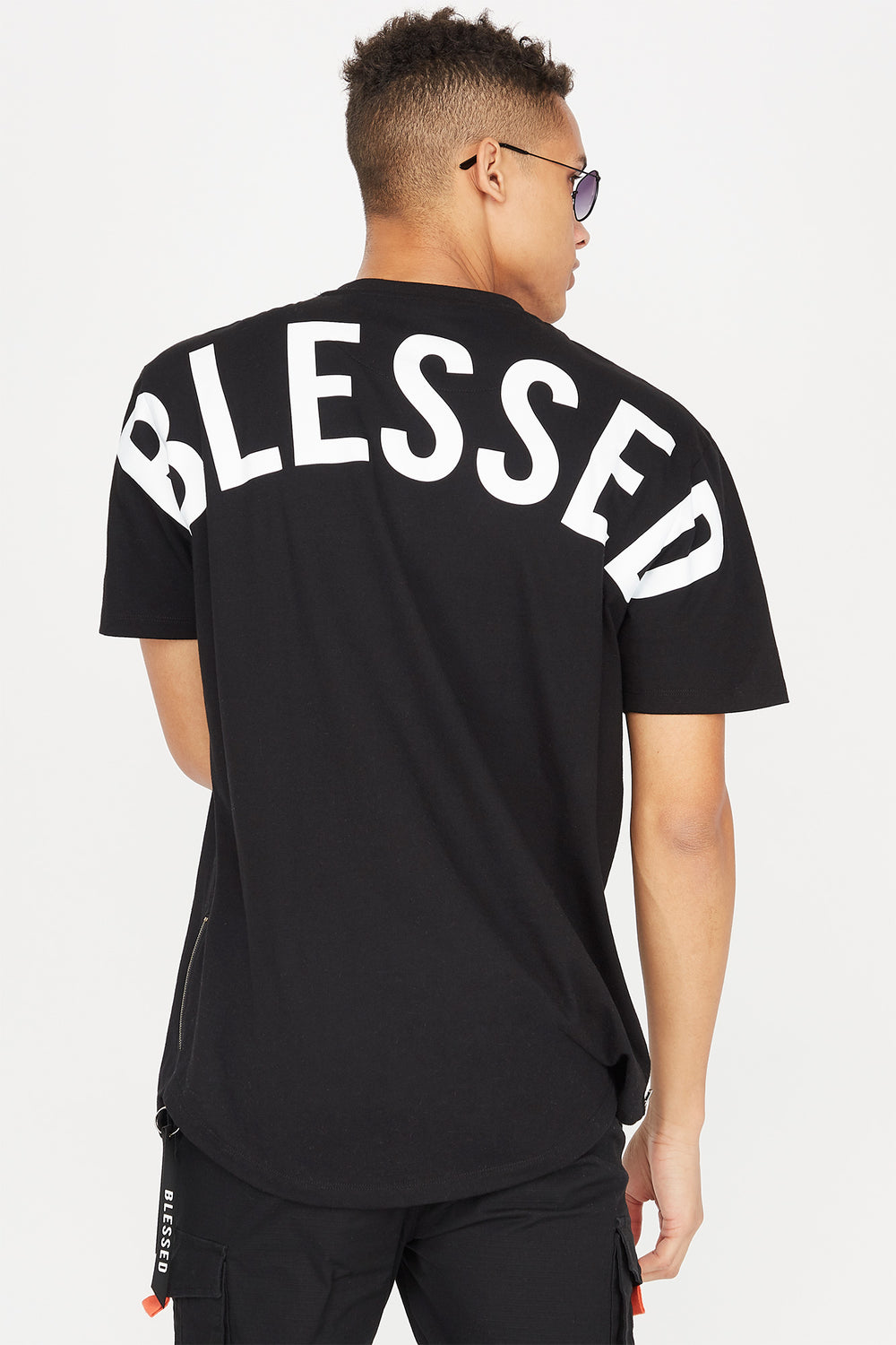 Camiseta Gráfica Enorme con Bolsillo Lateral Blessed Negro