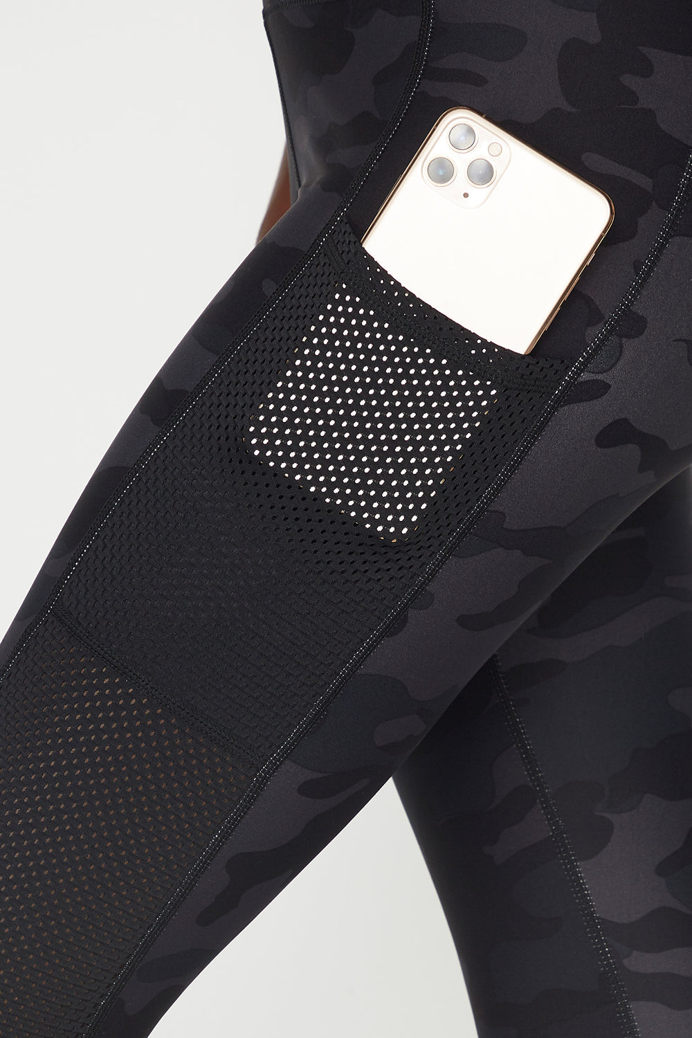 Camo High-Rise Mesh Pocket Active Legging Camouflage