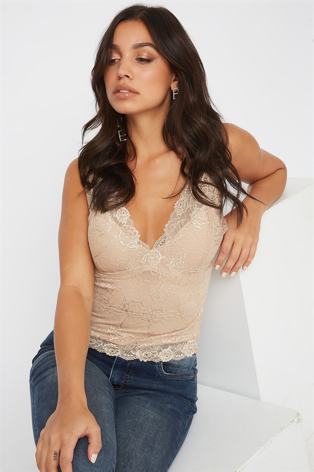 Padded V-Neck Lace Scallop Tank Taupe