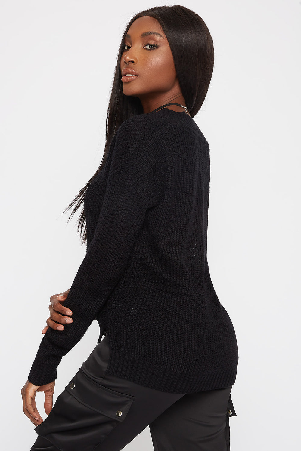 Boxy V-Neck Side Slit Cropped Sweater Black