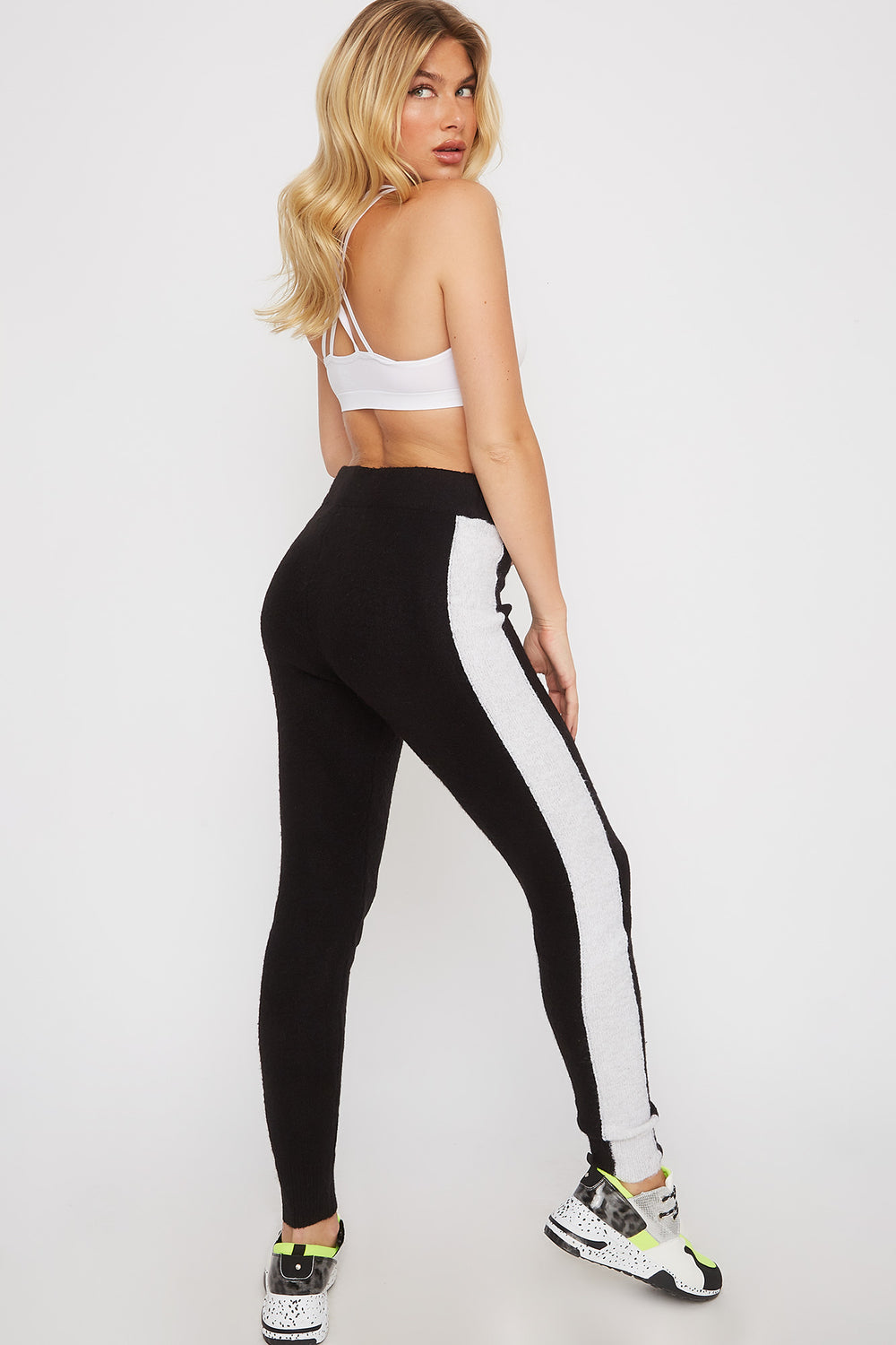 Mossy Pull-On Jogger Black With White