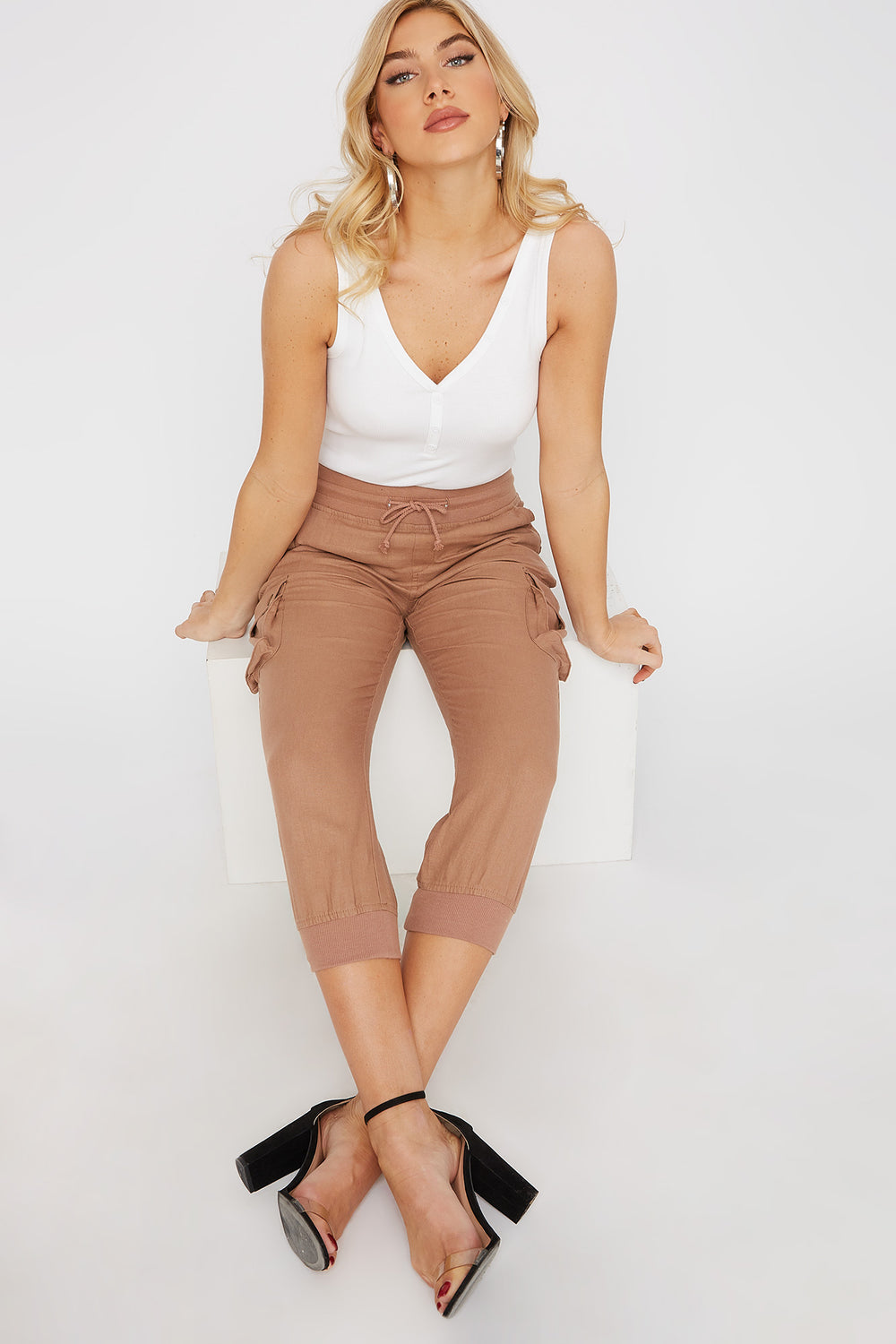 Linen Cropped Cargo Brown