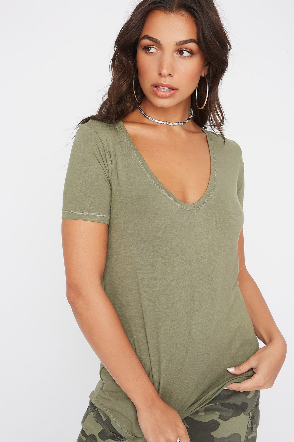 Curve Hem V-Neck T-Shirt Dark Green