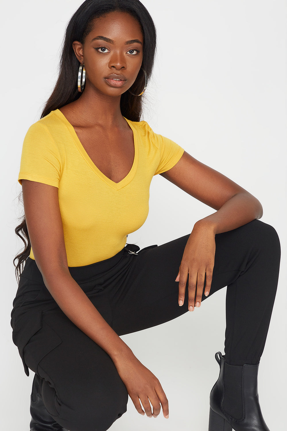 Basic V-Neck T-Shirt MUSTARD