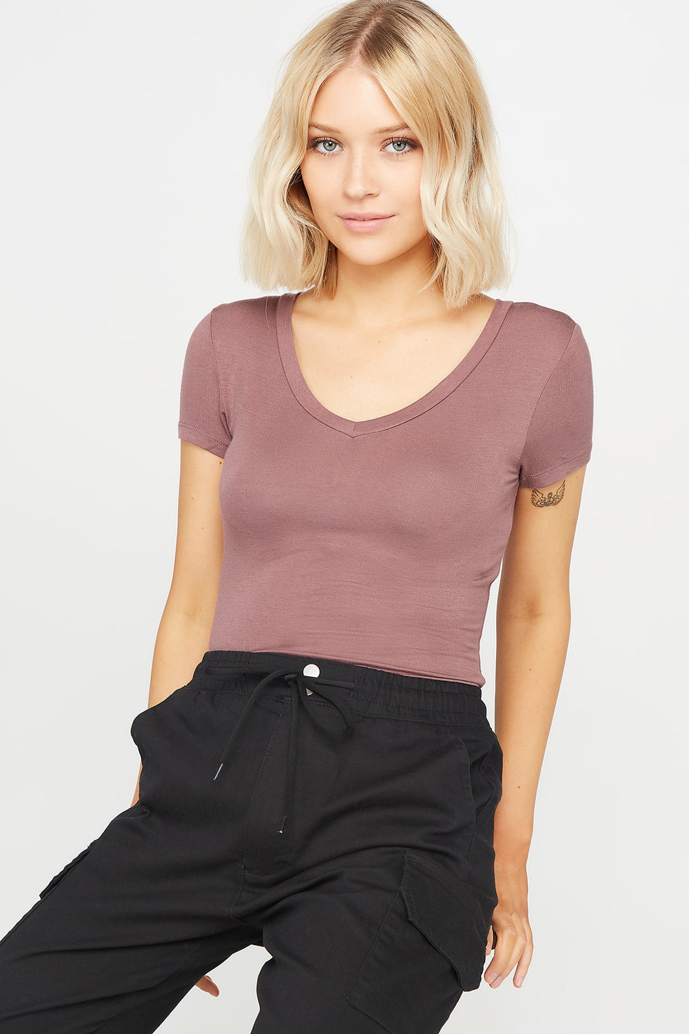 Basic V-Neck T-Shirt Brown