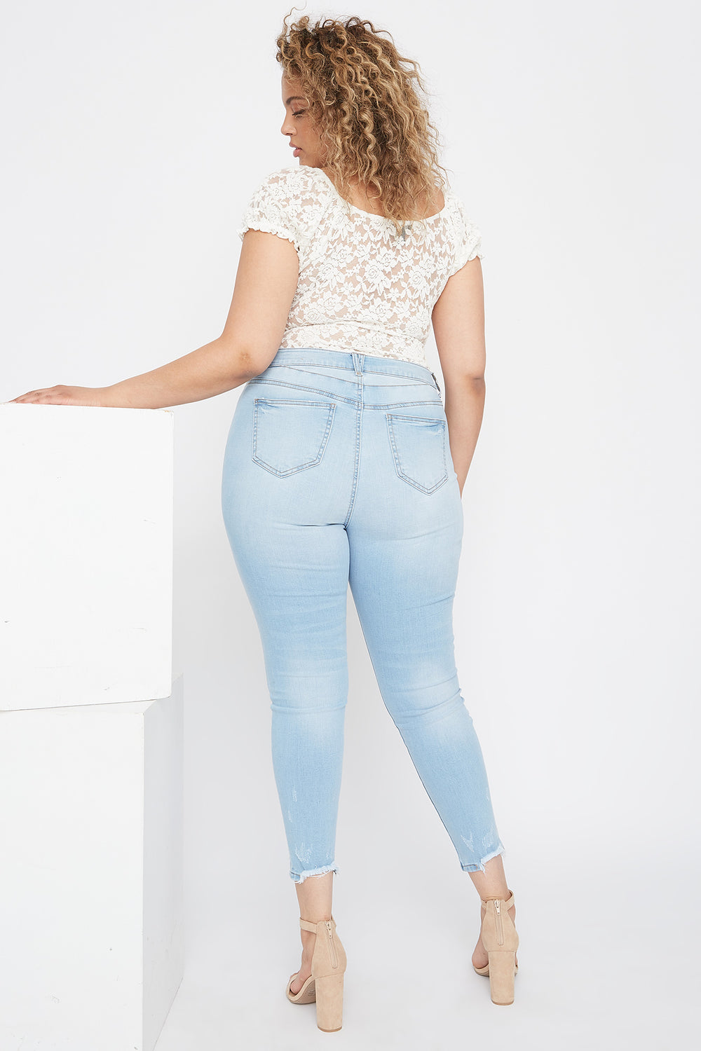 Plus Size High-Rise Raw Hem Skinny Jean Light Denim Blue