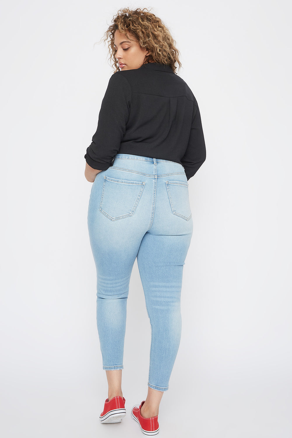Plus Size High-Rise Distressed Knee Skinny Jean Light Denim Blue