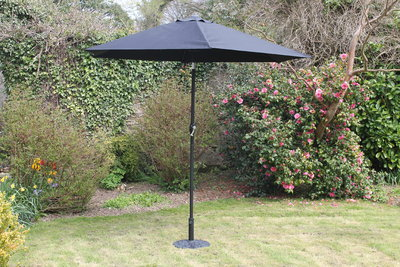 2.7 M Steel Parasol With Crank Black - Nioclas O Conchubhair