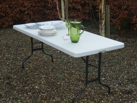 Party Folding Table - Nioclas O Conchubhair