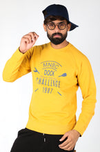 Load image into Gallery viewer, SFIIRA  INTERNATIONAL BRAND MEN ESSENTIAL REGULAR FIT SWEATSHIRT (4253118103684)