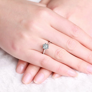 18K Women's Engagement Ring