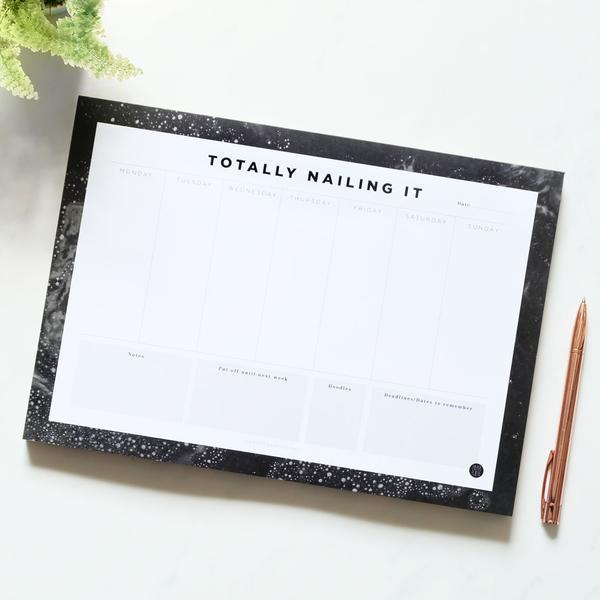 Desk Planner Totally Nailing It - A4 (50 Pages)