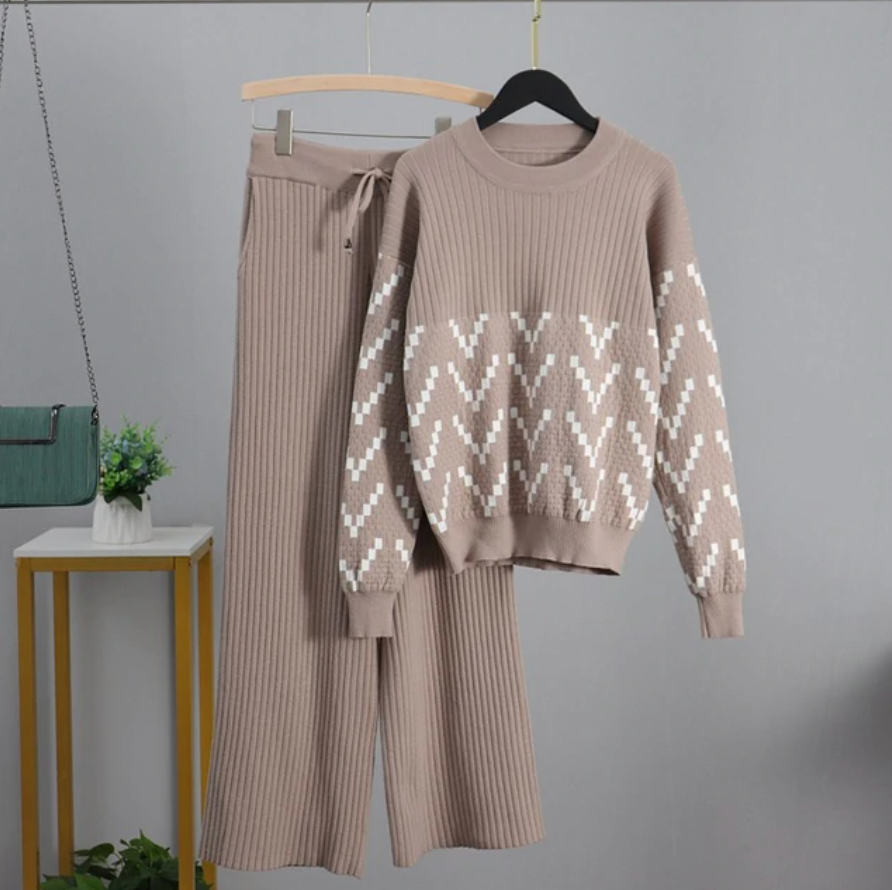 Aristocratic Sweater and Pants Set