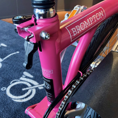 Brompton M6L Hot Pink 2019 foldable bicycle seat clamp and chain