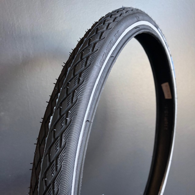 Schwalbe Marathon 16x1 3/8 Tyre for Brompton - zoomed