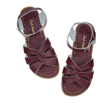Laden Sie das Bild in den Galerie-Viewer, Salt-Water Sandals - Original Claret