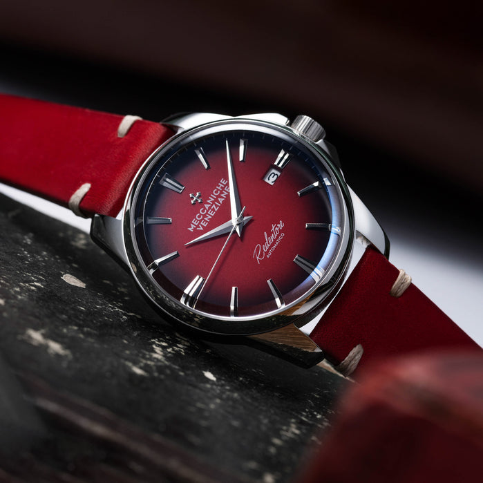Meccaniche Veneziane Redentore Automatic 40mm Red angled shot picture
