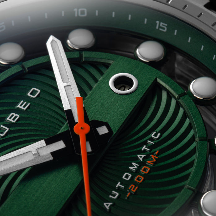 Nubeo Orbit Automatic Green angled shot picture