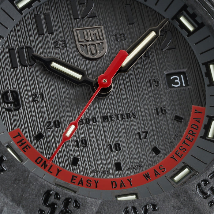 Luminox Swiss 3801.EY Master Carbon SEAL Black Red angled shot picture