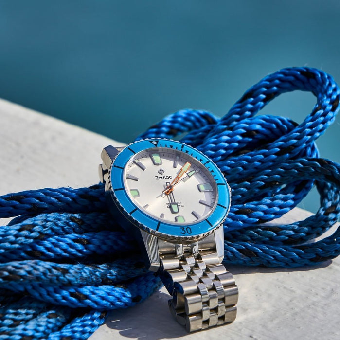 Zodiac ZO9274 Super Sea Wolf 53 Compression Automatic Silver Blue angled shot picture