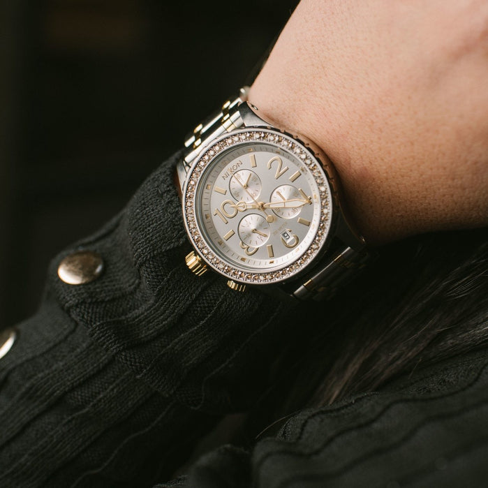 Nixon 38-20 Chrono Silver/Gold angled shot picture