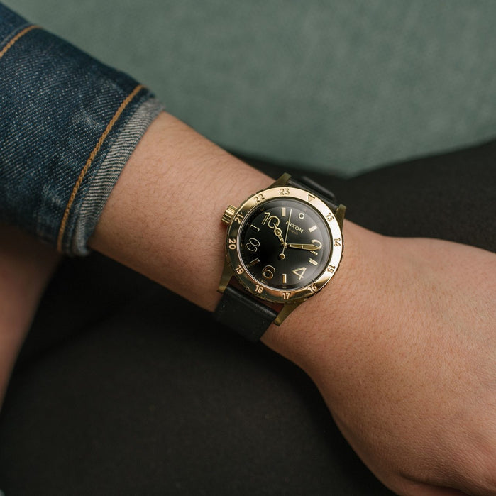 Nixon 38-20 Leather Gold Black angled shot picture