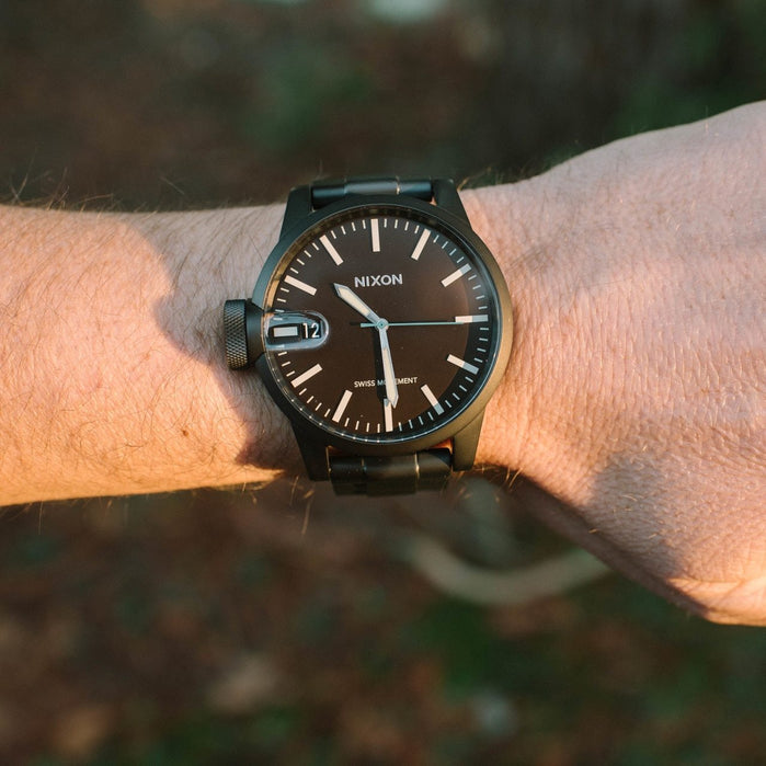 Nixon Chronicle SS All Black Brown angled shot picture