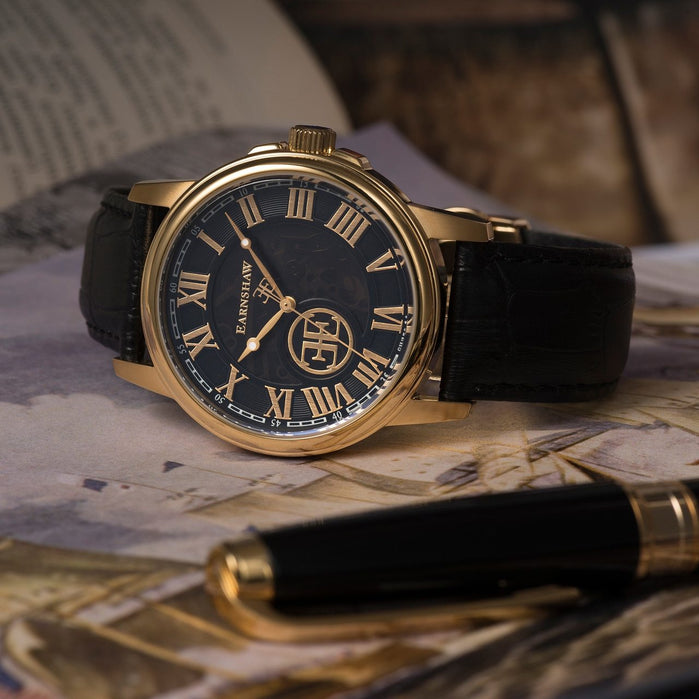 Thomas Earnshaw Beagle Automatic Gold Black angled shot picture