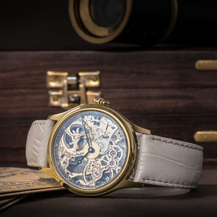 Thomas Earnshaw Bauer Mechanical Champagne angled shot picture