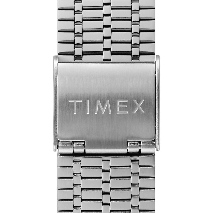 Timex Q 1979 Reissue 38mm Peanuts 70th Anniversary Snoopy angled shot picture