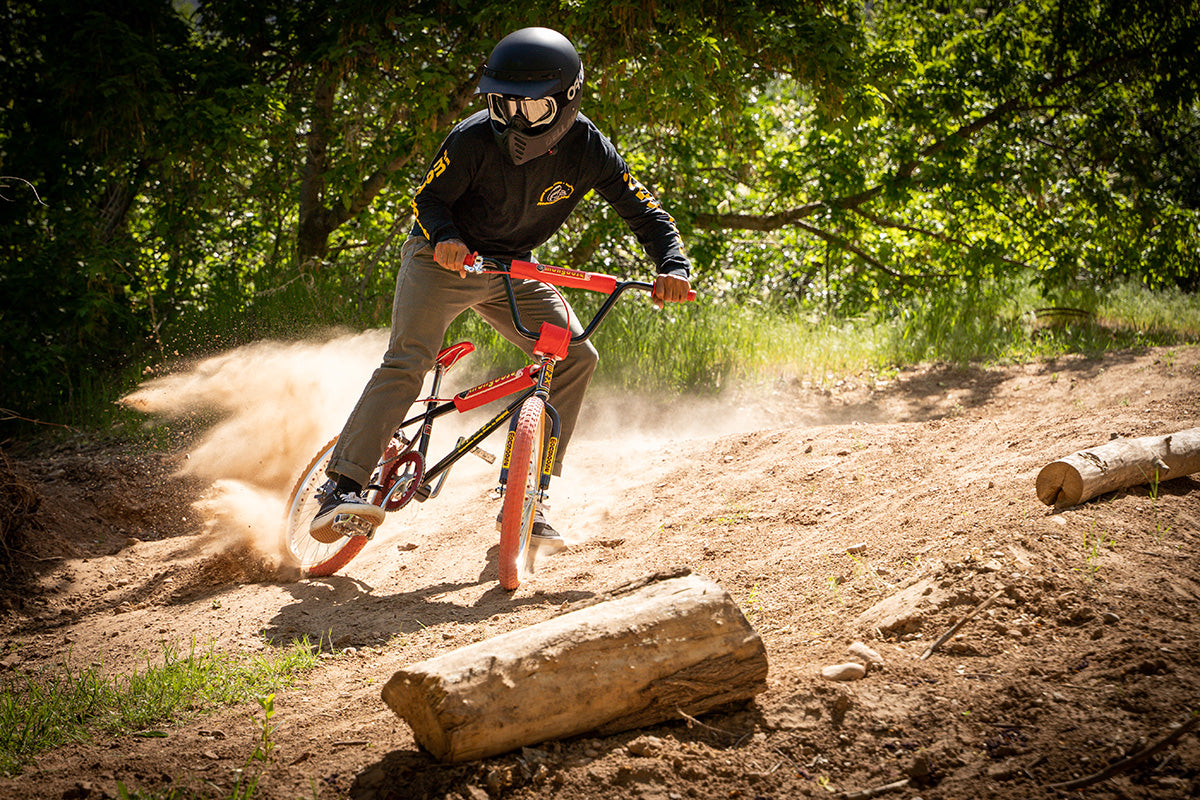 Mongoose Supergoose Classics Collection Action Shot