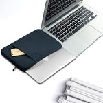 Beyond Classic – Laptop Sleeve