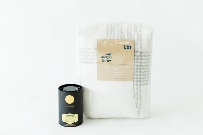 LUXURIOUS THROW AND SCENTED CANDLE
