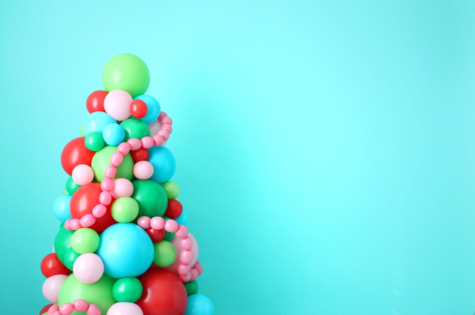 DIY Balloon Christmas Tree
