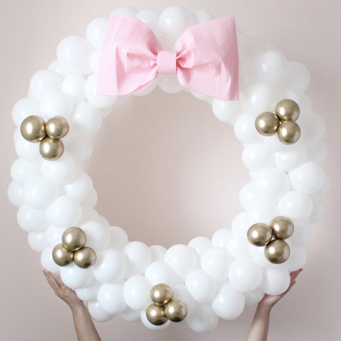 DIY Balloon Wreath