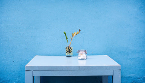 blue walls with blue table