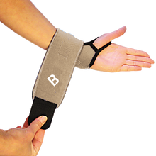 Load image into Gallery viewer, Magnetic Wrist Support - BioMagnetic Sport