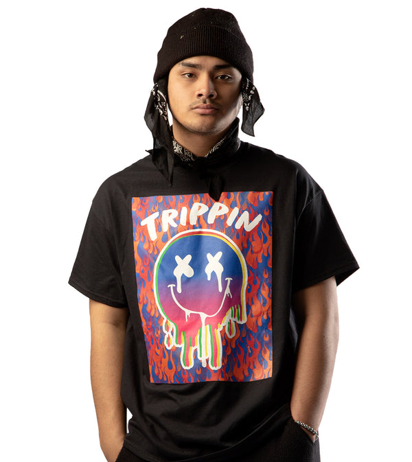MEN TRIPPIN GRAPHIC SHORT SLEEVE T-SHIRT - BLACK