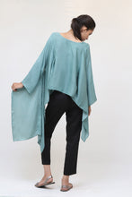 Load image into Gallery viewer, Short Mint Green Silk Kaftan