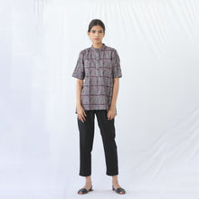 Load image into Gallery viewer, Short sleeve purple top