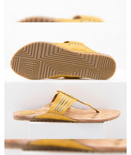 Load image into Gallery viewer, Chappal Yellow /  Gold