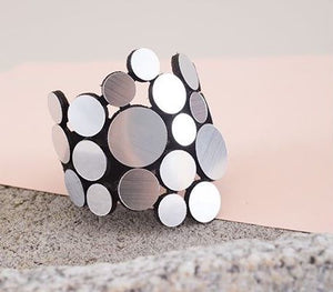 Iskin Sisters Abstraction Metal Bracelet